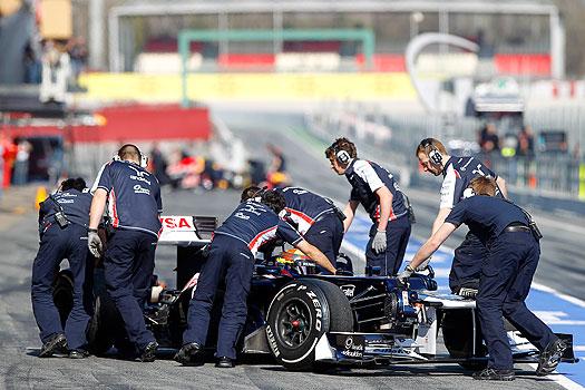 Maldonado in pit lane
