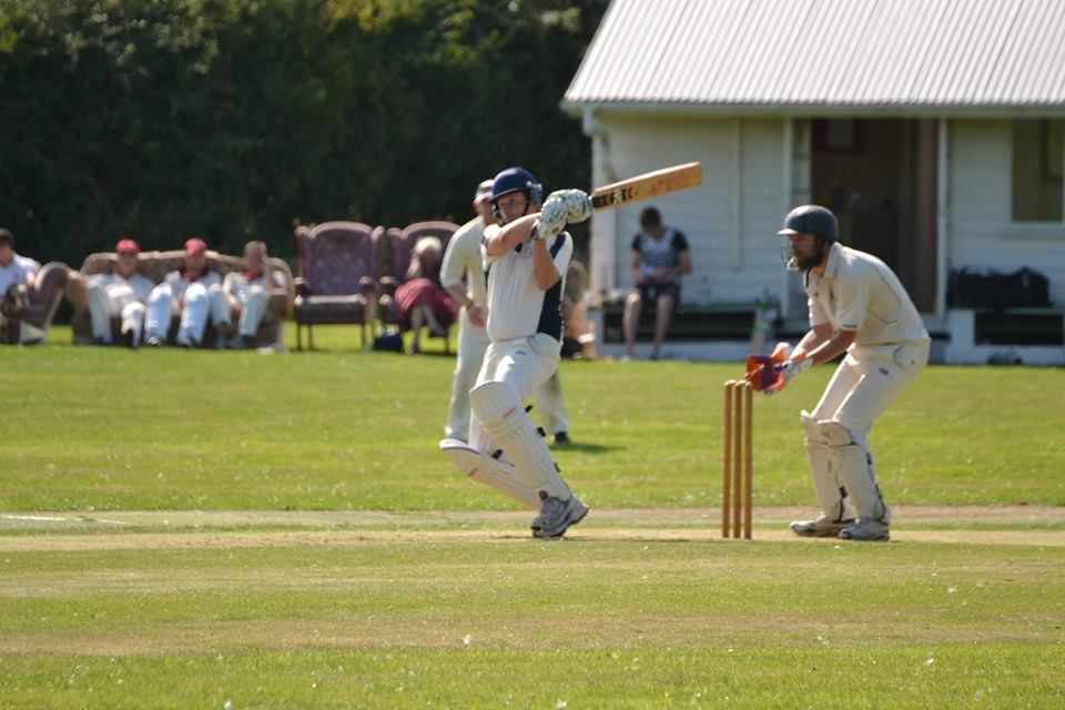 15 Burgh (2) Keeno batting